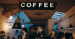 cafetería camarera bar